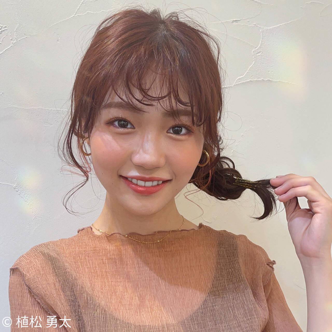 ミディアム ヘアアレンジ フィッシュボーン ナチュラルヘアスタイルや髪型の写真・画像
