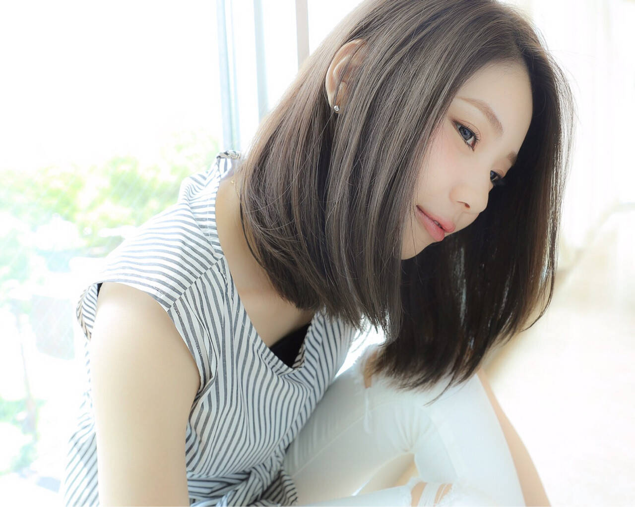 大人かわいい 外国人風 ミディアム アッシュヘアスタイルや髪型の写真・画像