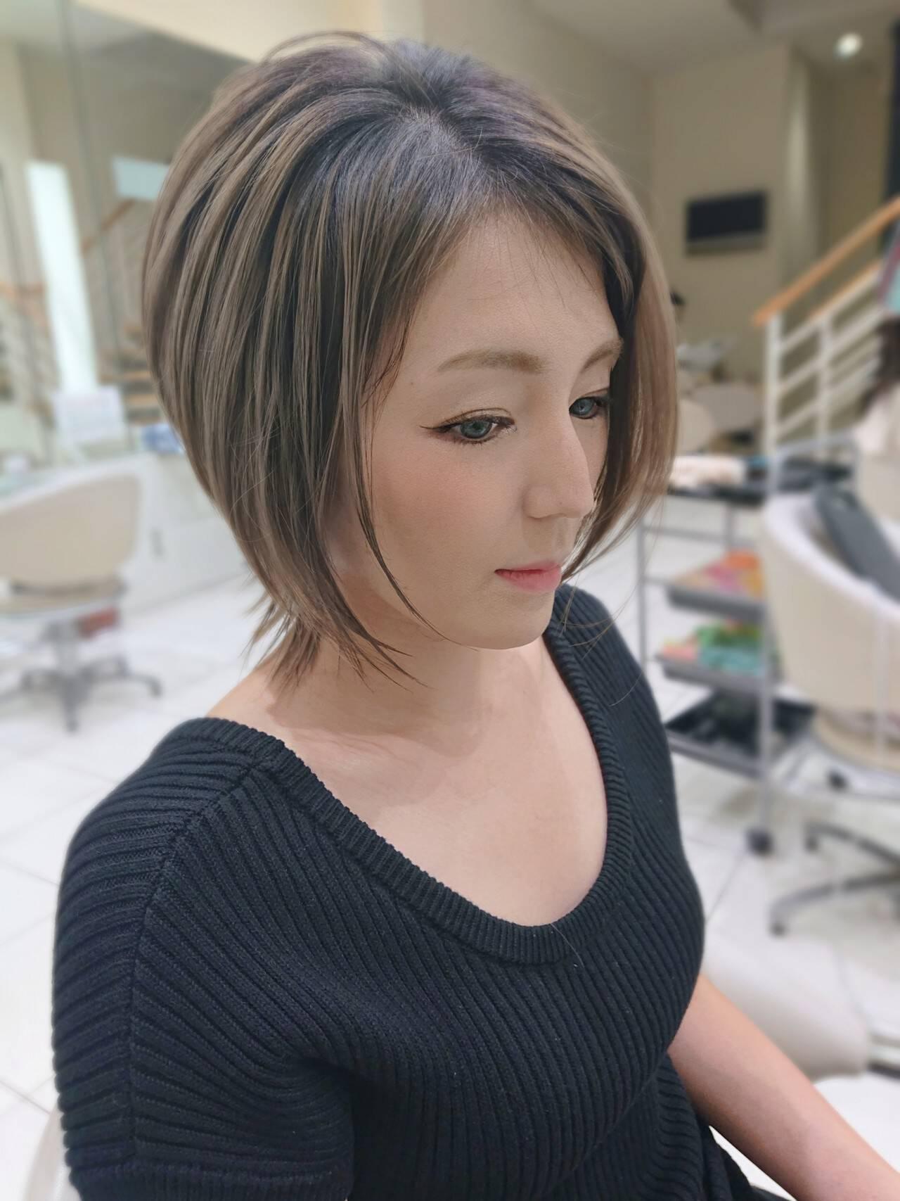 3Dハイライト ショートボブ フェミニン くびれカールヘアスタイルや髪型の写真・画像