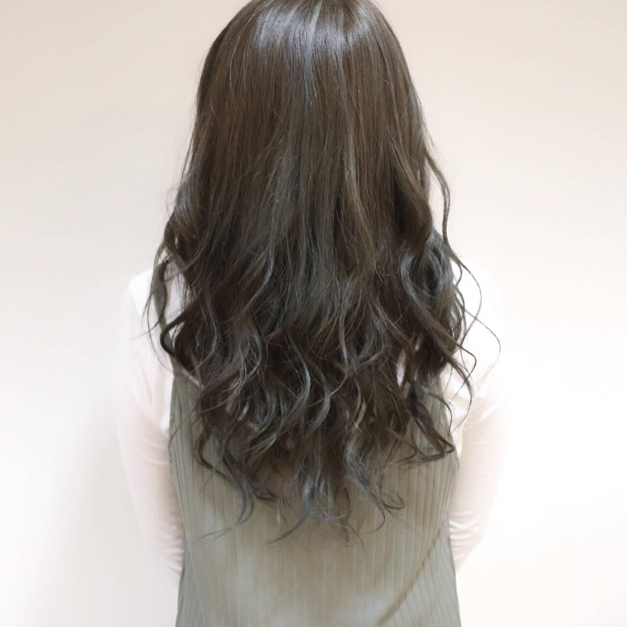 フェミニン ハイライト ロング 外国人風ヘアスタイルや髪型の写真・画像