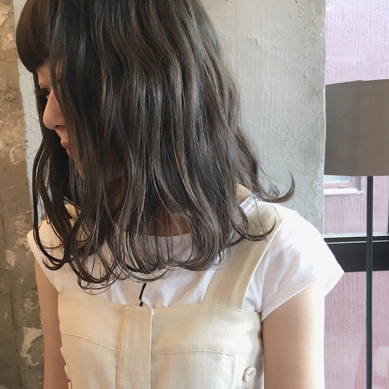 ウェーブ アンニュイ ナチュラル 女子会ヘアスタイルや髪型の写真・画像
