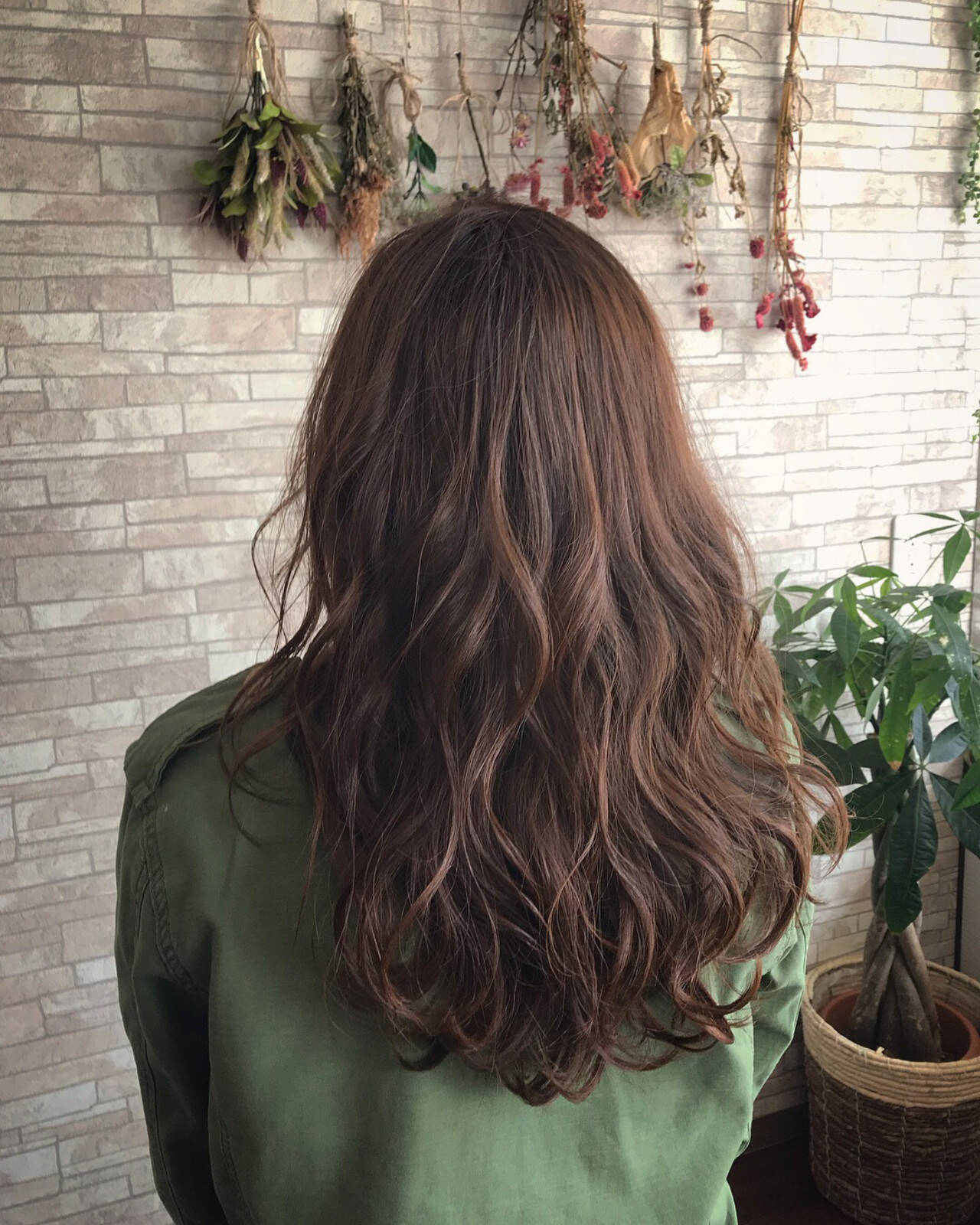 アッシュブラウン 大人ハイライト エレガント 大人女子ヘアスタイルや髪型の写真・画像