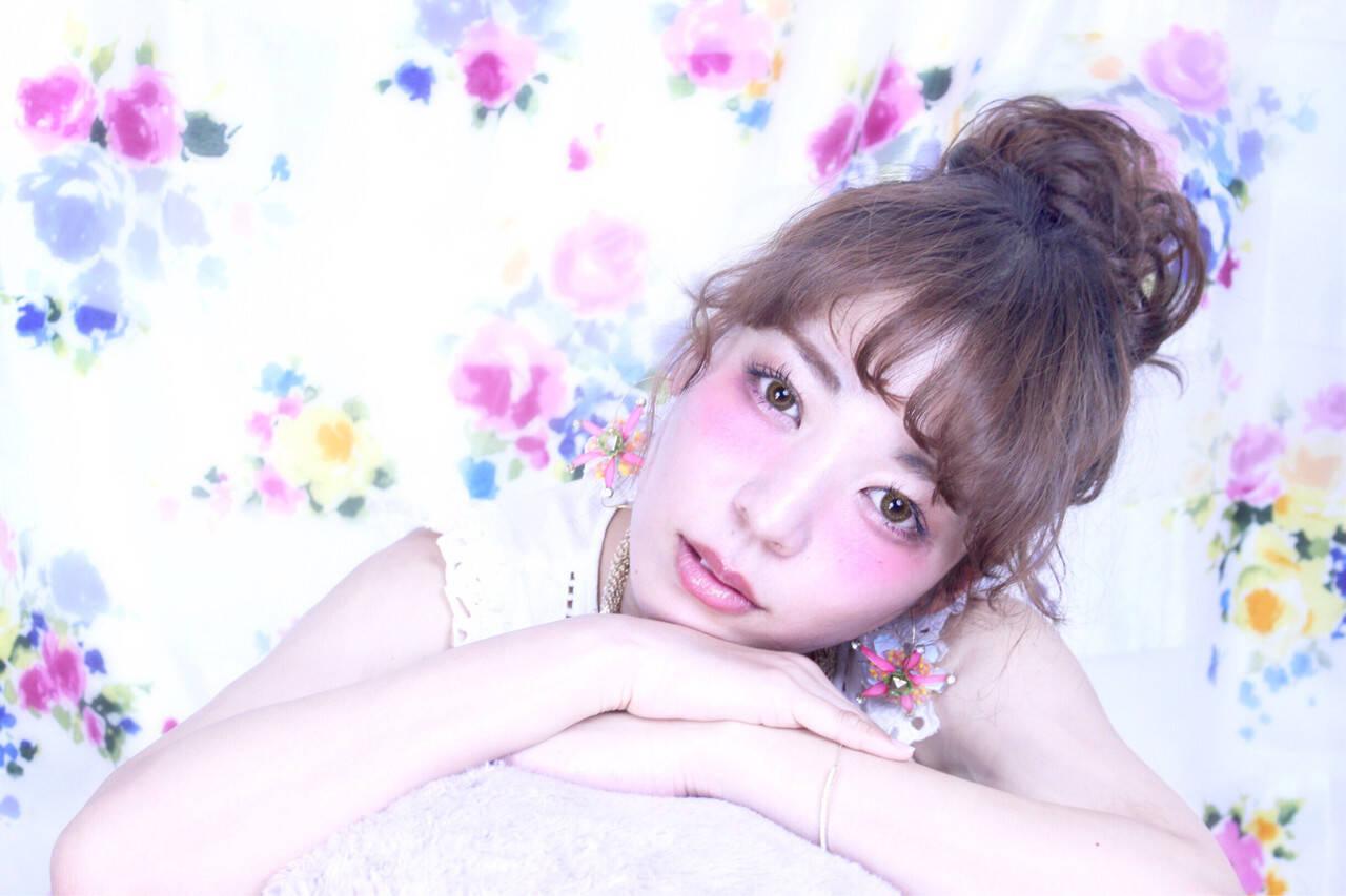 お団子 ヘアアレンジ セミロング 夏ヘアスタイルや髪型の写真・画像
