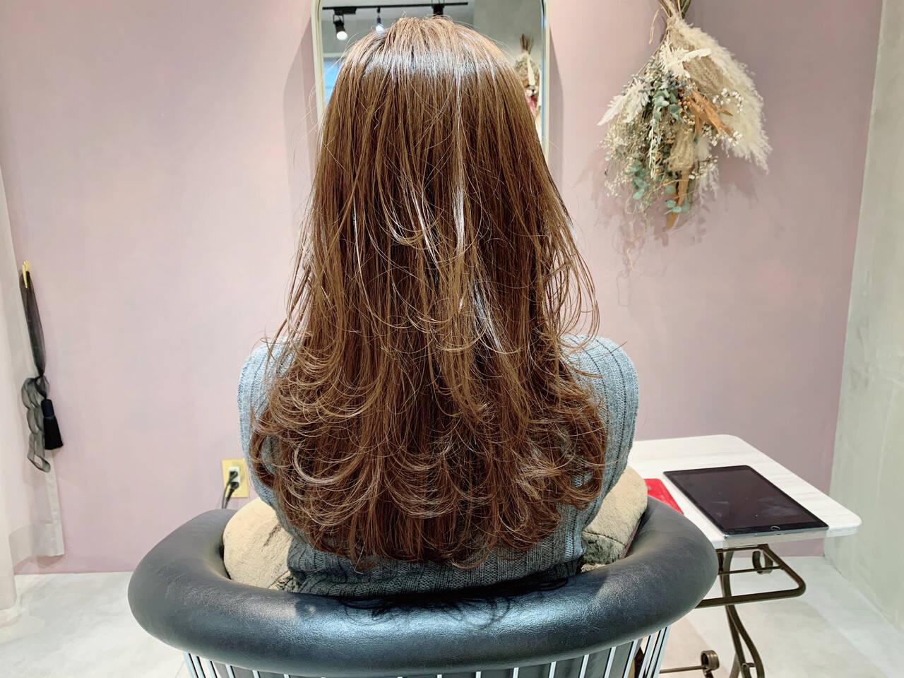 ゆるかき上げウェーブ ロング レイヤーカット ナチュラルヘアスタイルや髪型の写真・画像