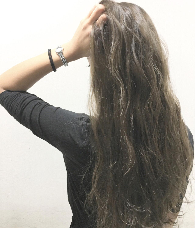 ハイライト ブラウン ロング 波ウェーブヘアスタイルや髪型の写真・画像