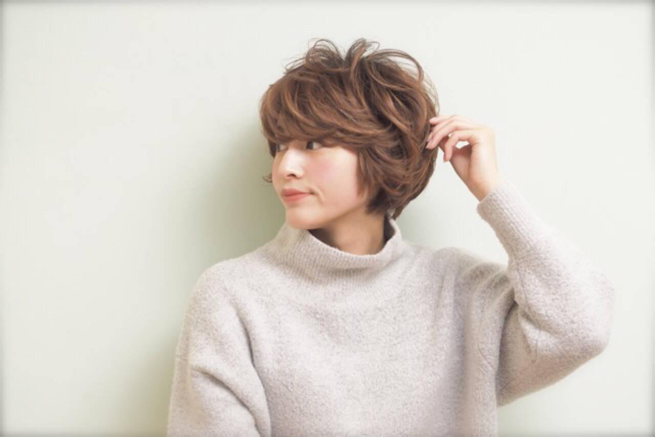 ナチュラル ショート パーマ ニュアンスヘアスタイルや髪型の写真・画像