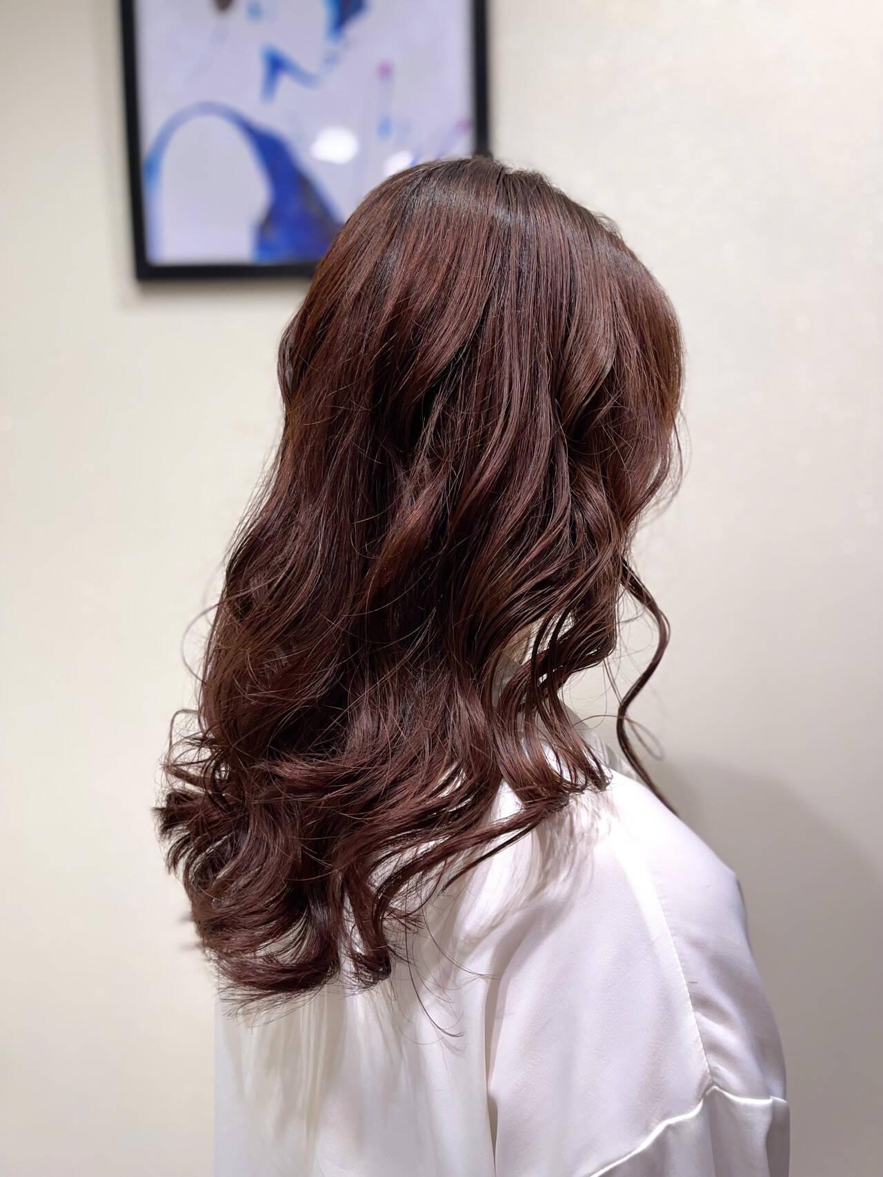 レイヤースタイル レイヤーカット ロング ラベンダーアッシュヘアスタイルや髪型の写真・画像