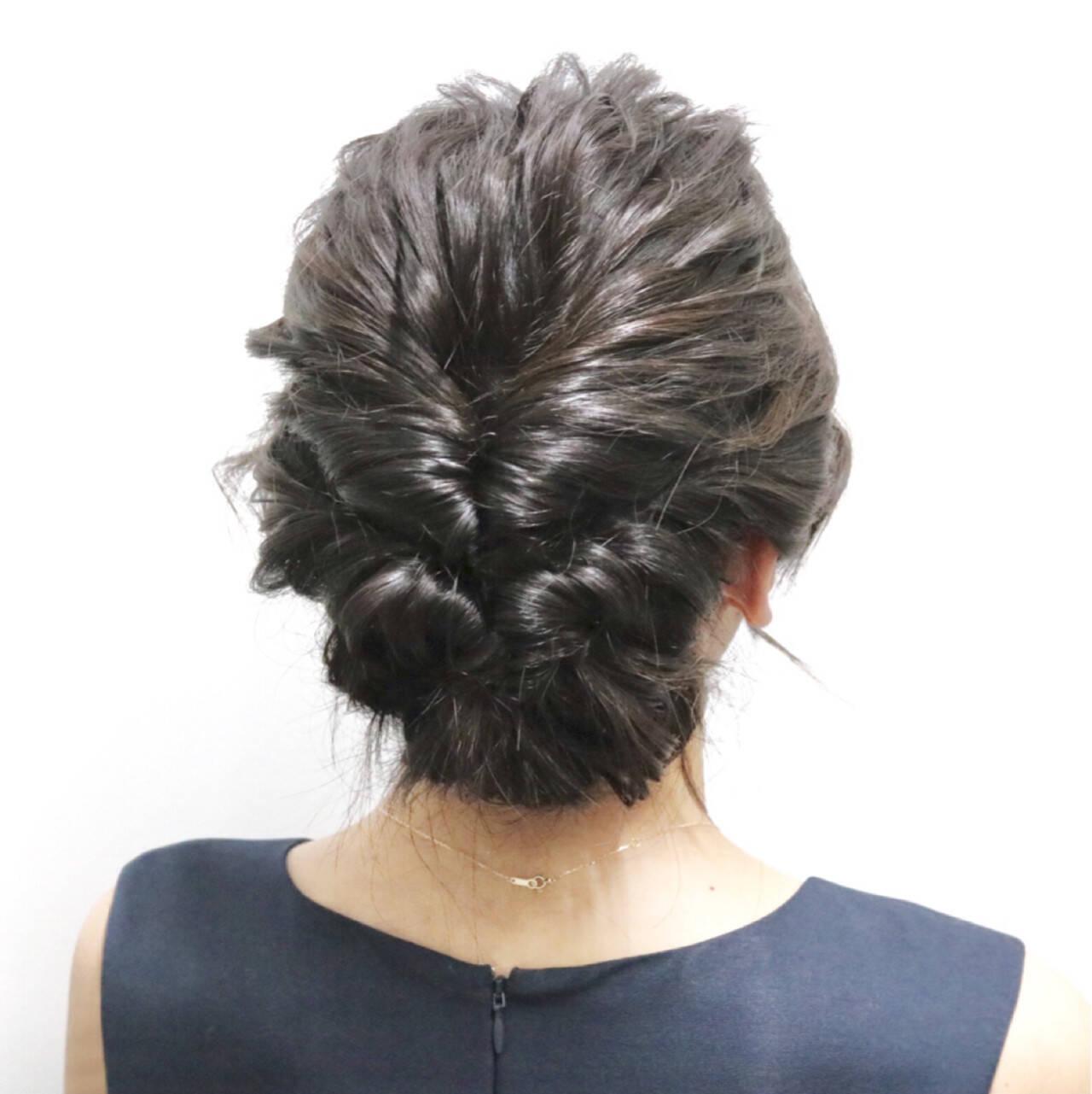 ヘアアレンジ セミロング 結婚式 くるりんぱヘアスタイルや髪型の写真・画像