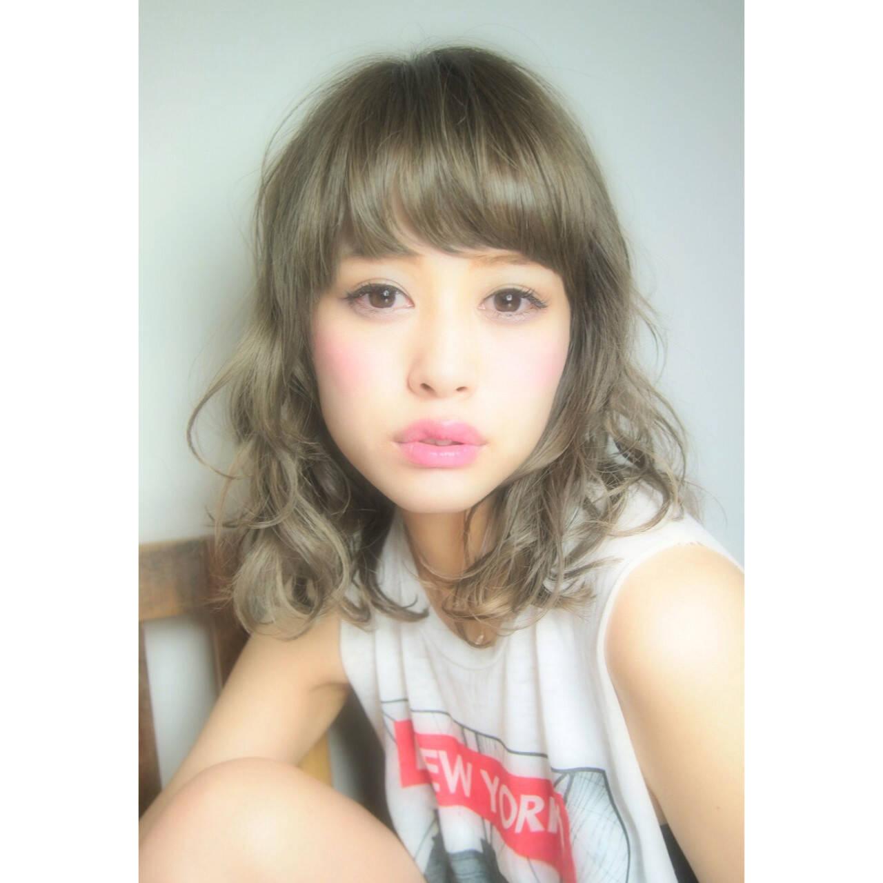 前髪あり パーマ ミディアム 大人かわいいヘアスタイルや髪型の写真・画像