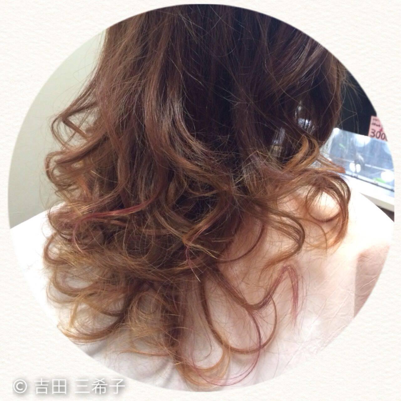 コンサバ アッシュグラデーション グラデーションカラー メッシュヘアスタイルや髪型の写真・画像