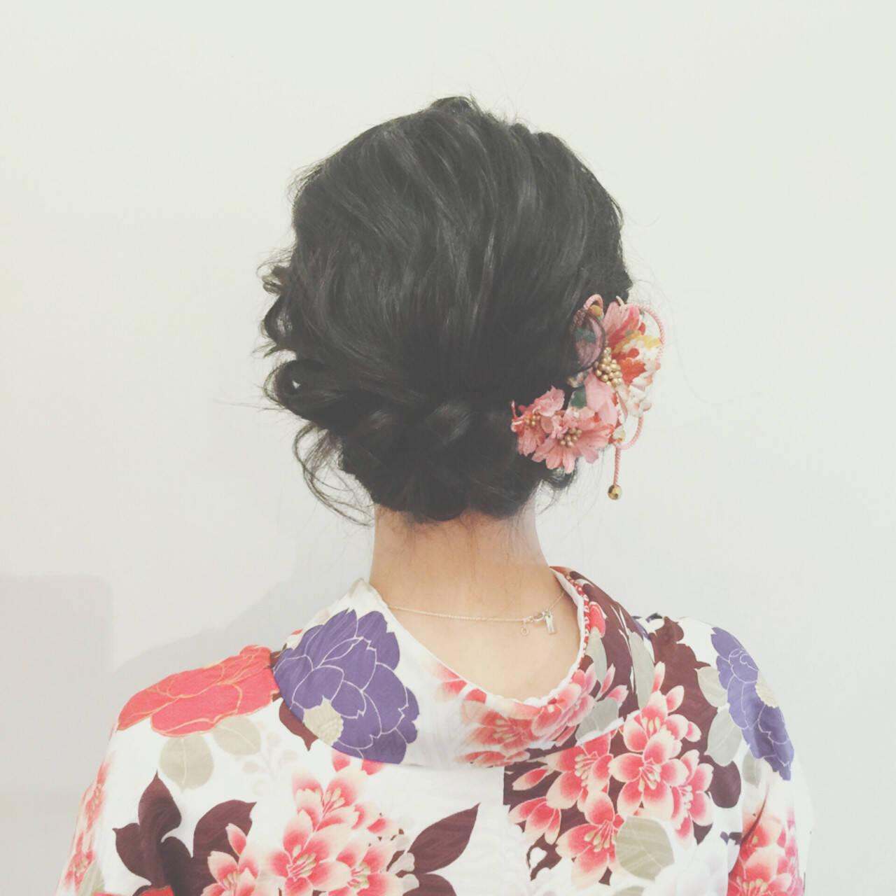 謝恩会 ショート 簡単ヘアアレンジ ゆるふわヘアスタイルや髪型の写真・画像