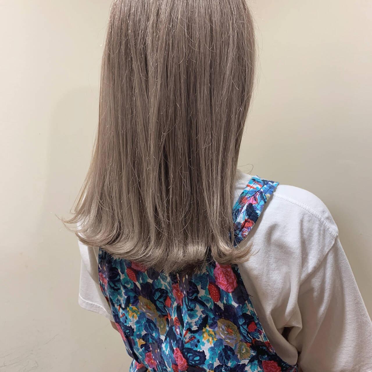 バレイヤージュ ミディアム 簡単ヘアアレンジ ブリーチカラーヘアスタイルや髪型の写真・画像
