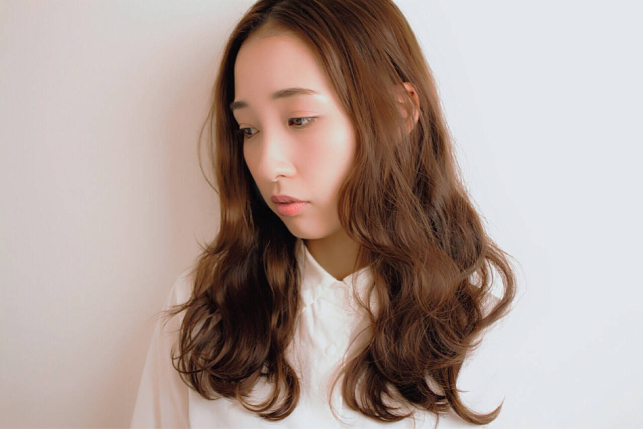 デジタルパーマ フェミニン ロング ウェーブヘアスタイルや髪型の写真・画像
