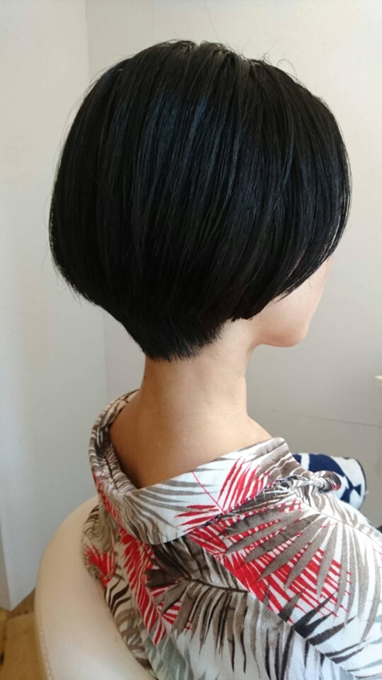 モード ナチュラル ストレート 黒髪ヘアスタイルや髪型の写真・画像