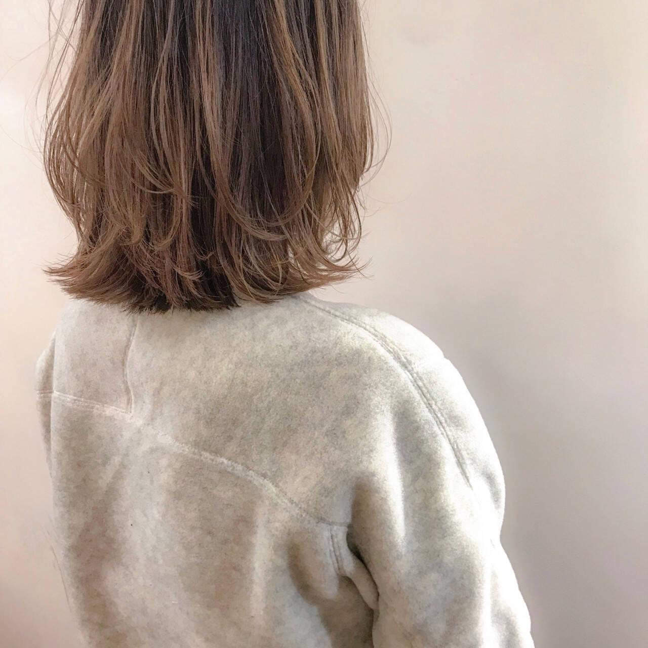 ナチュラル ウルフカット こなれ感 ミディアムヘアスタイルや髪型の写真・画像