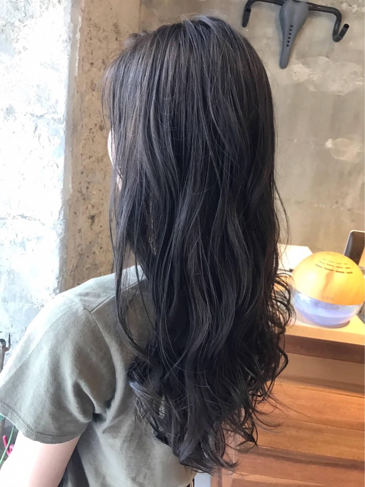 アッシュ ナチュラル 外国人風カラー ウェーブヘアスタイルや髪型の写真・画像