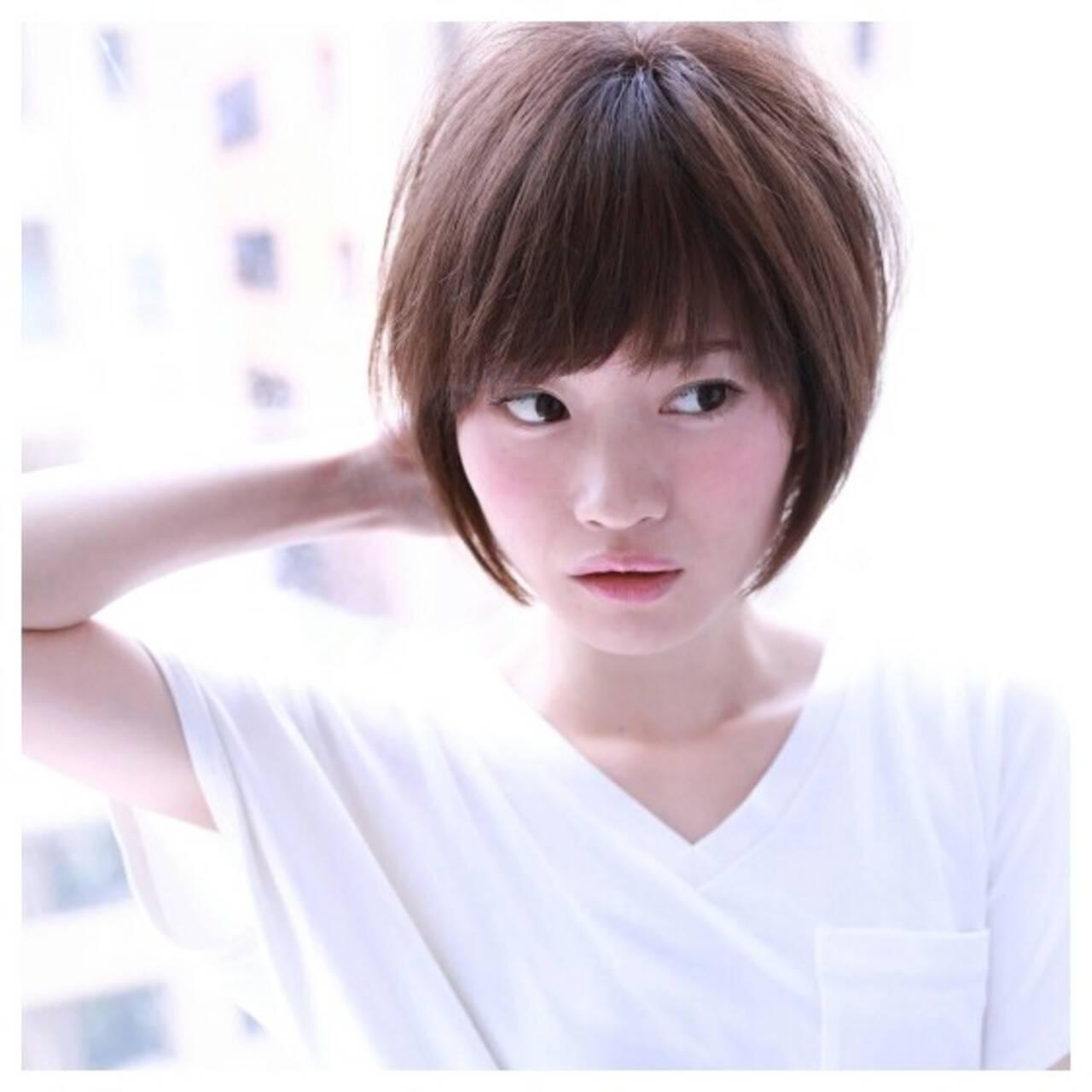 小顔 大人かわいい ショート ナチュラルヘアスタイルや髪型の写真・画像
