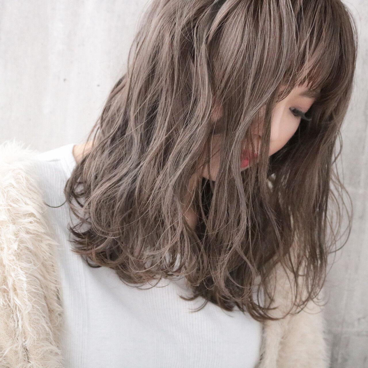 ナチュラル 外国人風カラー アンニュイほつれヘア ミルクティーベージュヘアスタイルや髪型の写真・画像