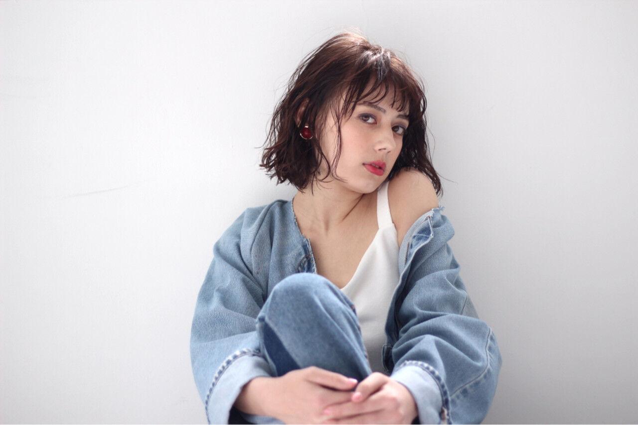 透明感 ウェットヘア シースルーバング フェミニンヘアスタイルや髪型の写真・画像
