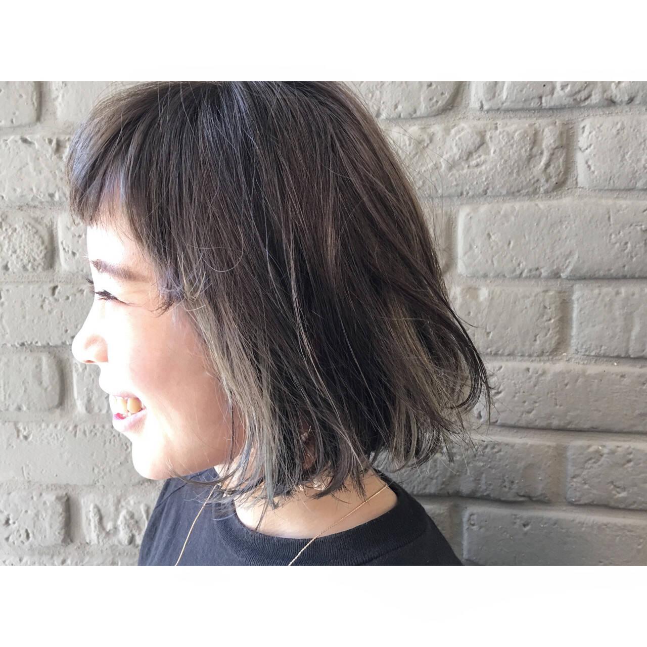 ボブ アッシュ ストレート アッシュベージュヘアスタイルや髪型の写真・画像