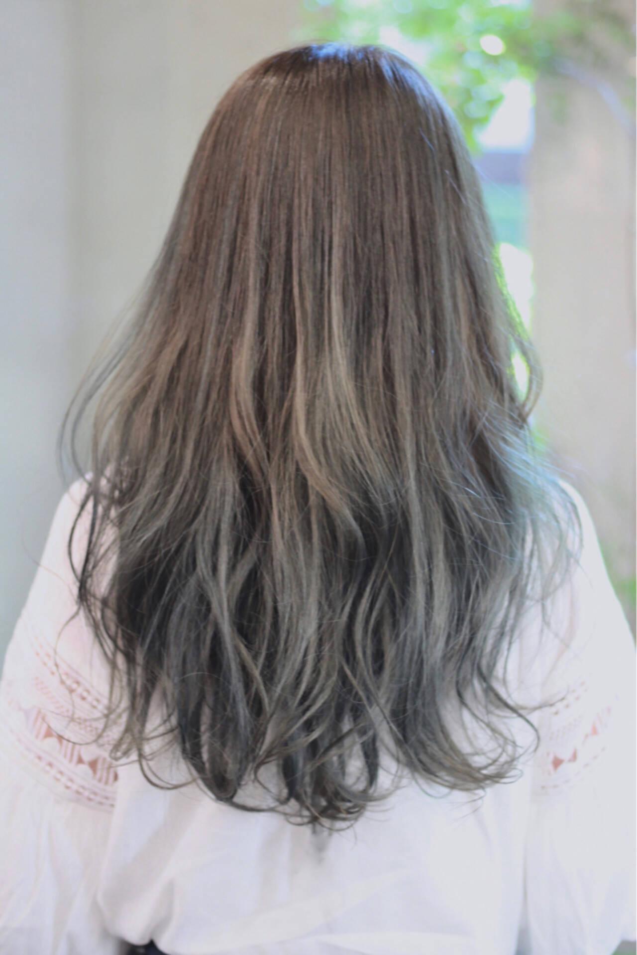 アンニュイ ウェーブ ナチュラル 外国人風カラーヘアスタイルや髪型の写真・画像