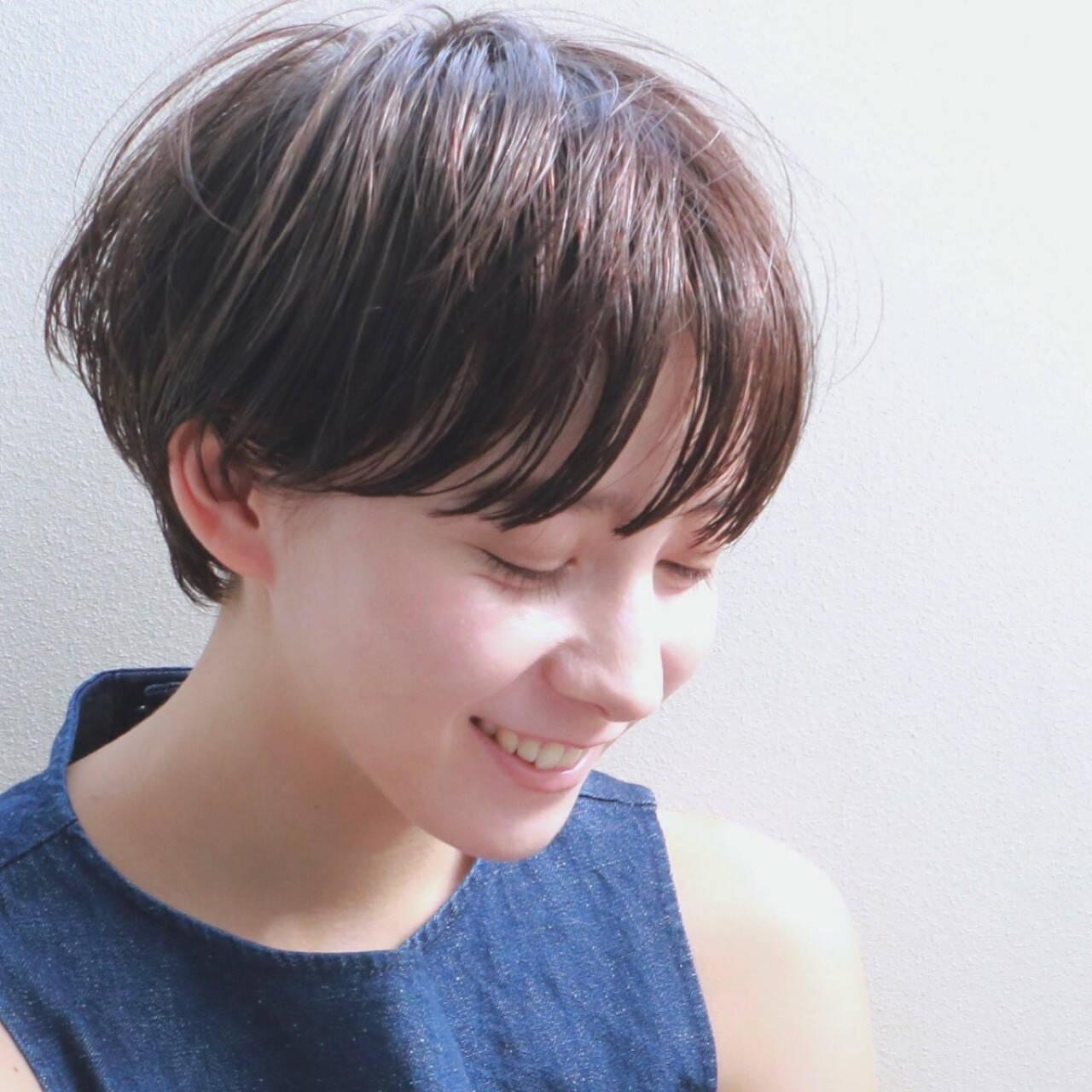 ウェットヘア ショート マッシュ ナチュラルヘアスタイルや髪型の写真・画像