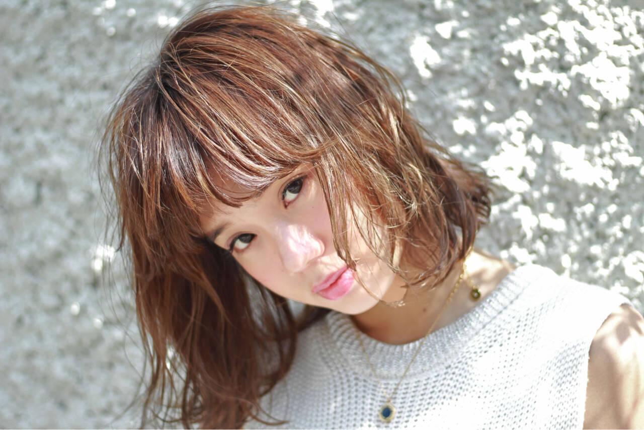ストリート 外国人風 大人かわいい くせ毛風ヘアスタイルや髪型の写真・画像