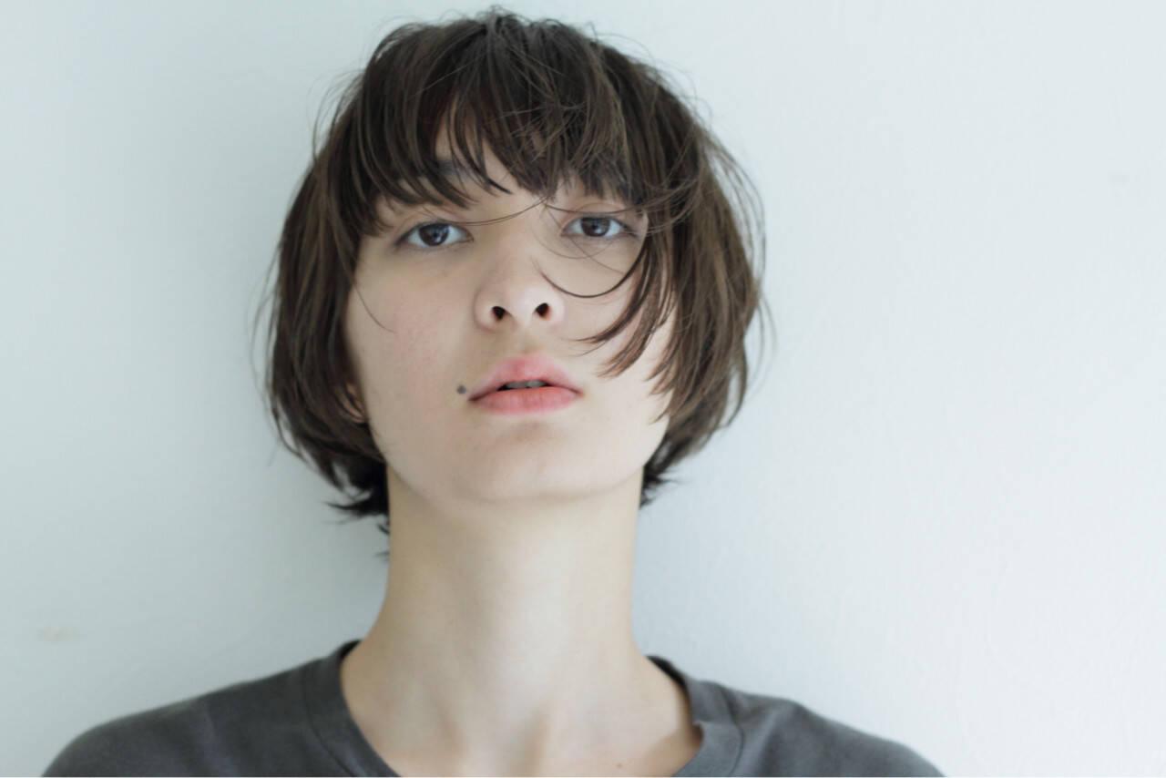 ストリート 外国人風 ウェットヘア ボブヘアスタイルや髪型の写真・画像