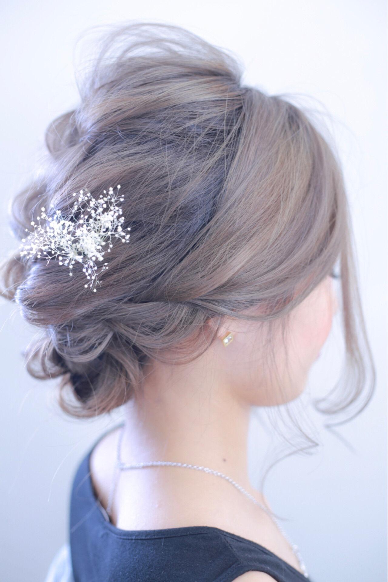 上品 グレーアッシュ 結婚式 エレガントヘアスタイルや髪型の写真・画像
