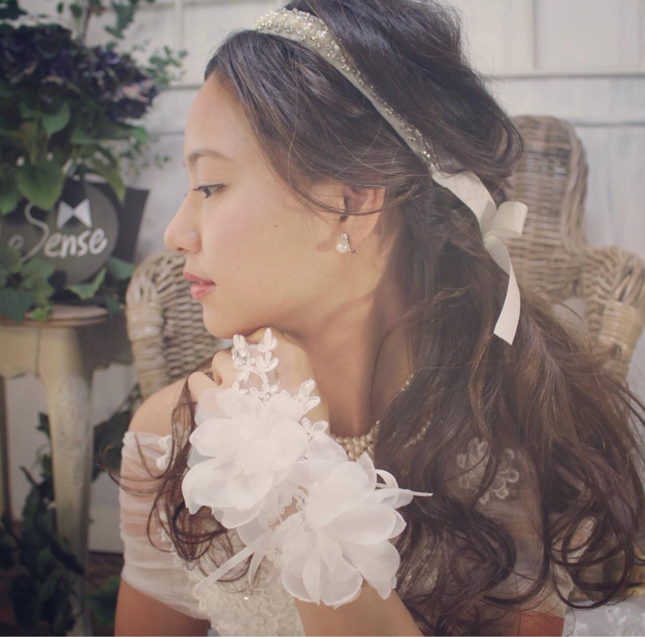 ブライダル 結婚式 ヘアアレンジ フェミニンヘアスタイルや髪型の写真・画像