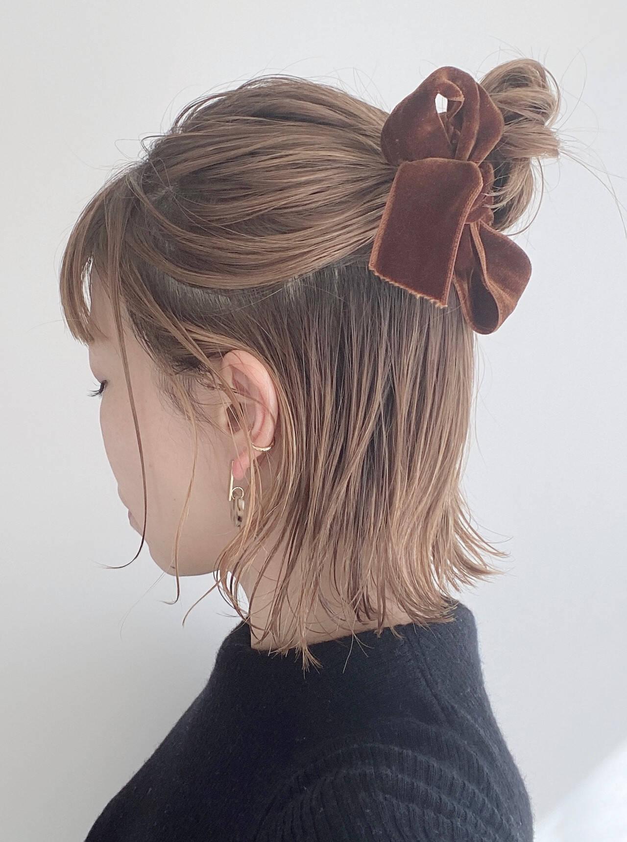 簡単ヘアアレンジ リボンアレンジ 切りっぱなしボブ ヘアアレンジヘアスタイルや髪型の写真・画像