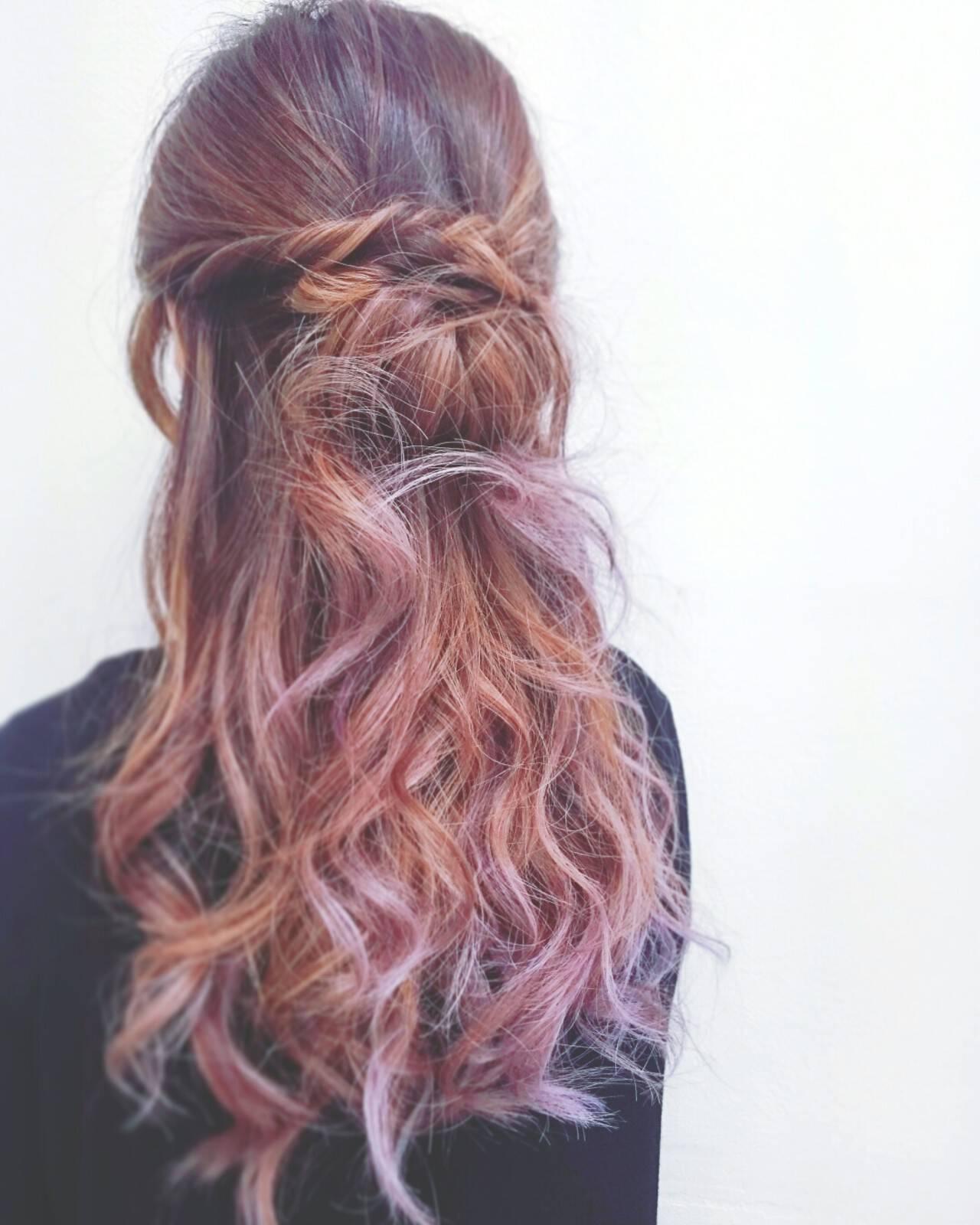 ロング ハイライト ハーフアップ ヘアアレンジヘアスタイルや髪型の写真・画像