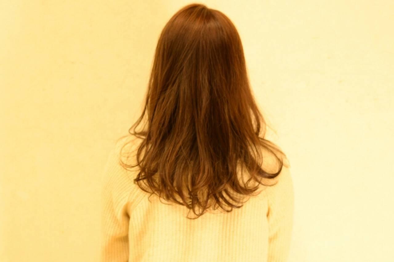アッシュ ナチュラル 大人かわいい ロングヘアスタイルや髪型の写真・画像