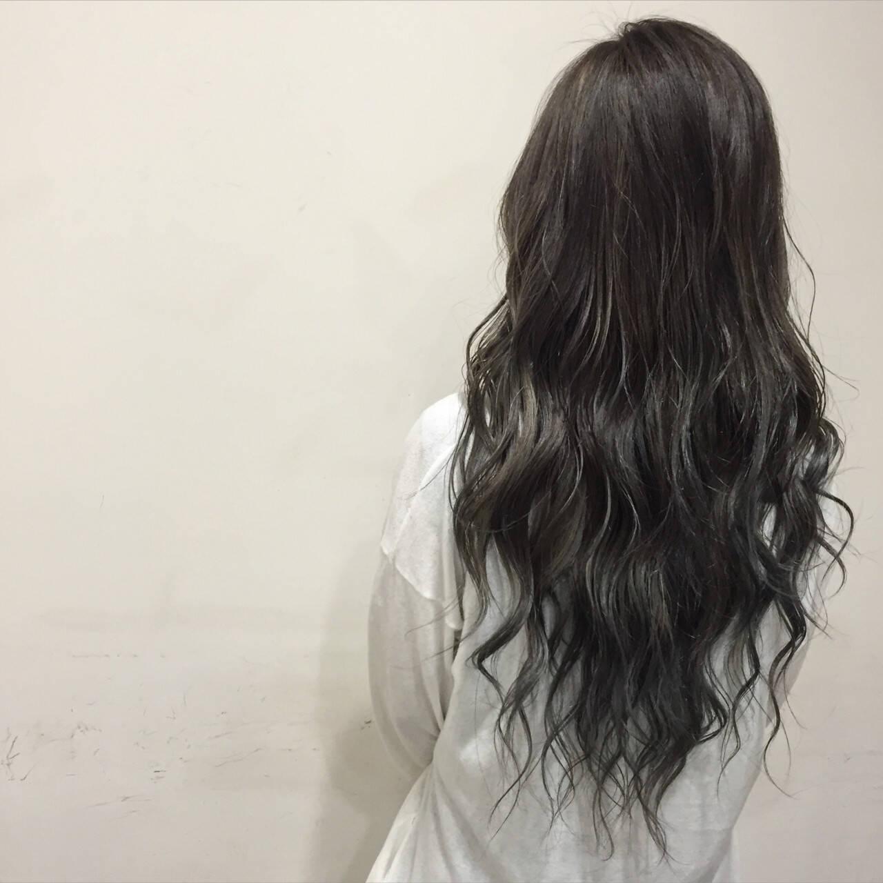 暗髪 ブルージュ 艶髪 ロングヘアスタイルや髪型の写真・画像