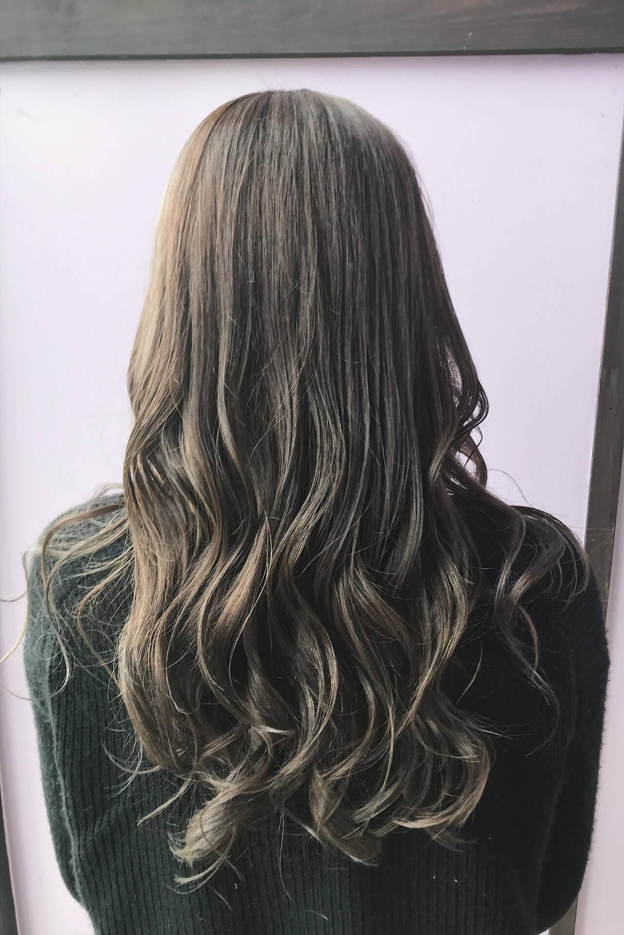 オリーブグレージュ 圧倒的透明感 アッシュグレージュ 透明感ヘアスタイルや髪型の写真・画像