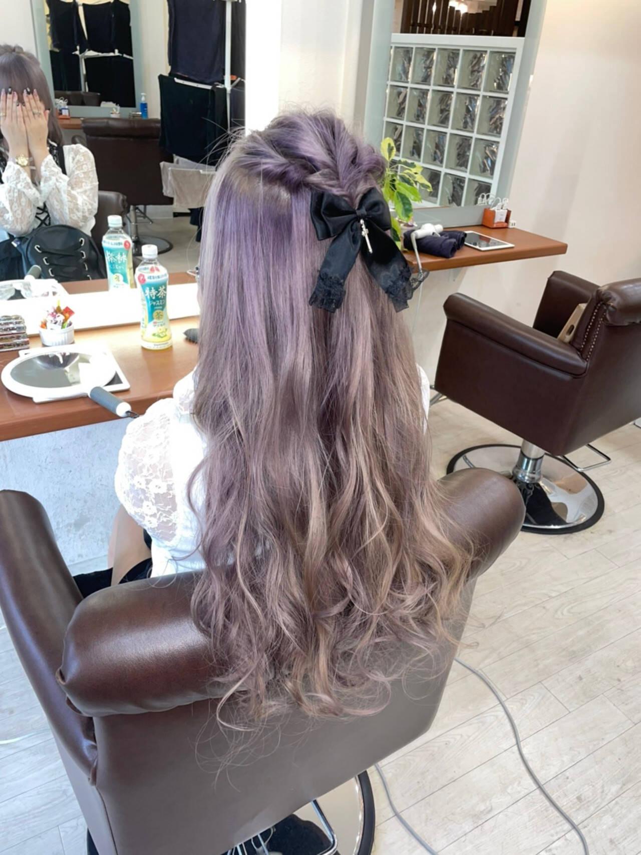 フェミニン ラベンダーピンク ロング 派手髪ヘアスタイルや髪型の写真・画像