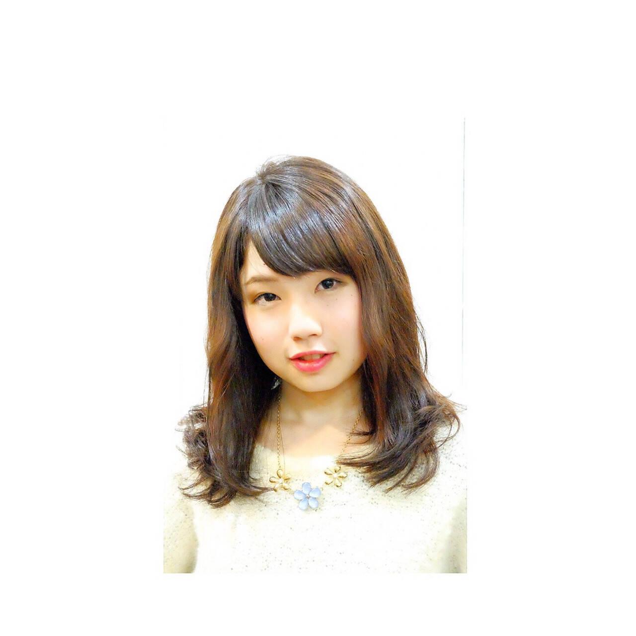 艶髪 ニュアンス ミディアム ナチュラルヘアスタイルや髪型の写真・画像