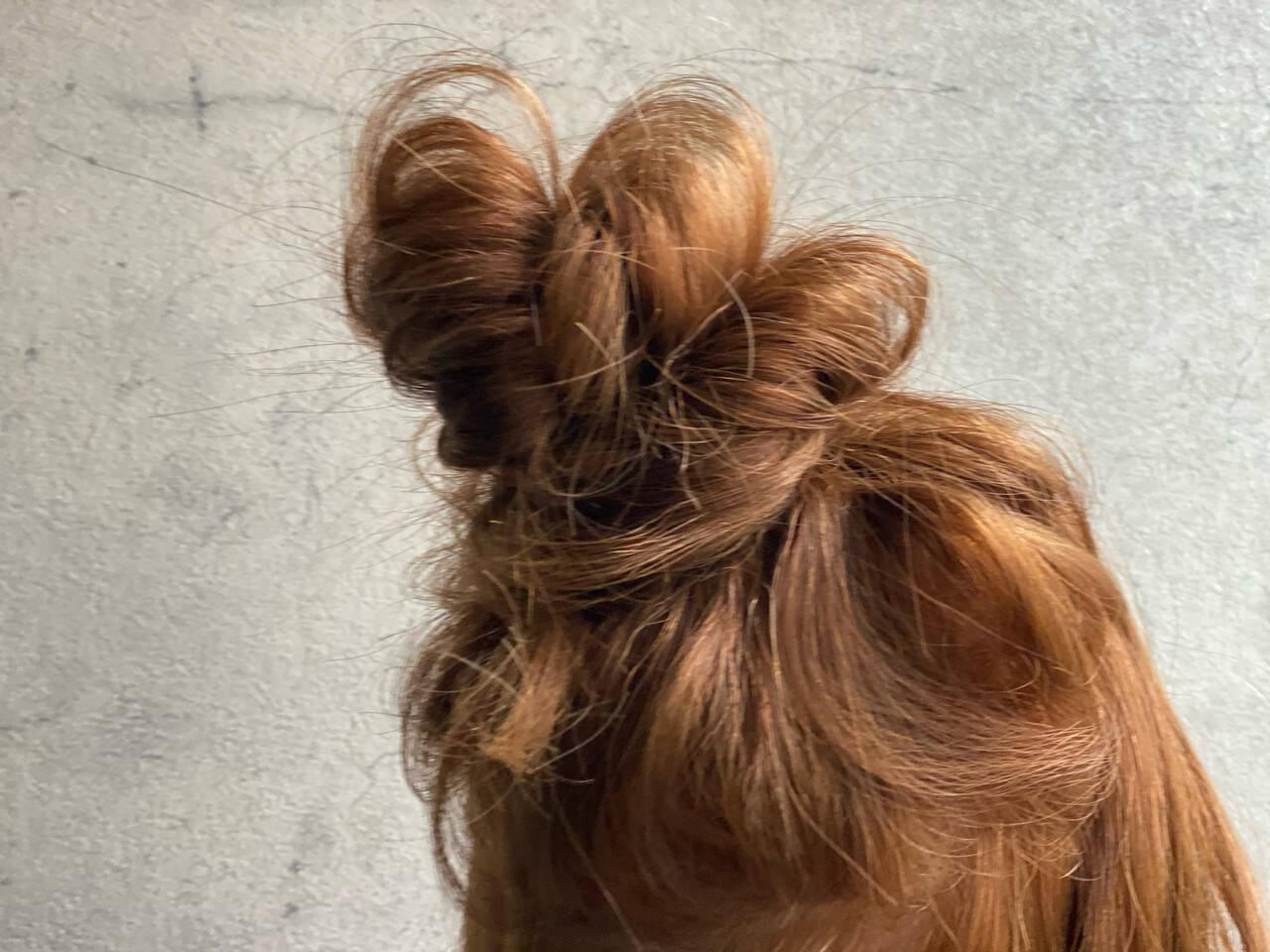 セルフアレンジ お団子アレンジ ロング ナチュラルヘアスタイルや髪型の写真・画像