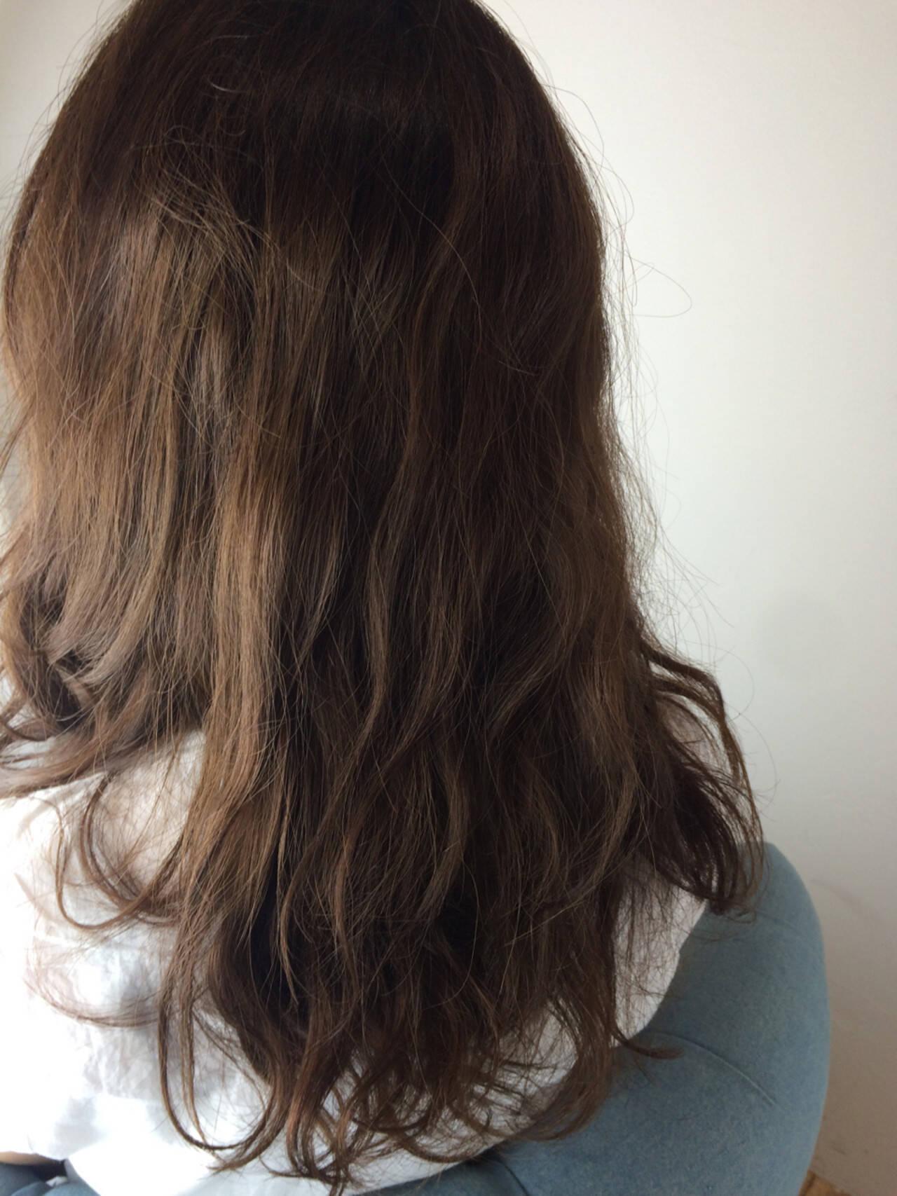 大人かわいい 暗髪 外国人風 ストリートヘアスタイルや髪型の写真・画像