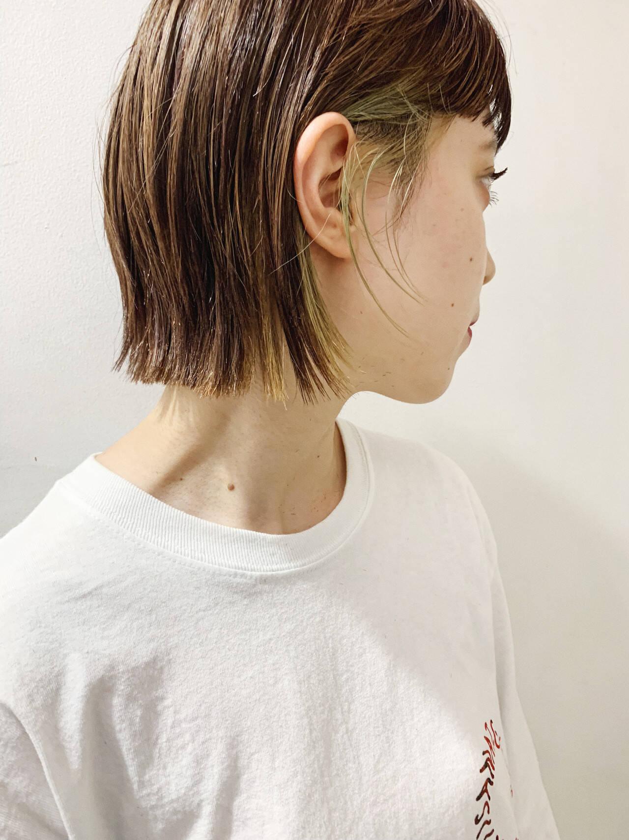 ショートボブ 切りっぱなしボブ インナーカラー ボブヘアスタイルや髪型の写真・画像