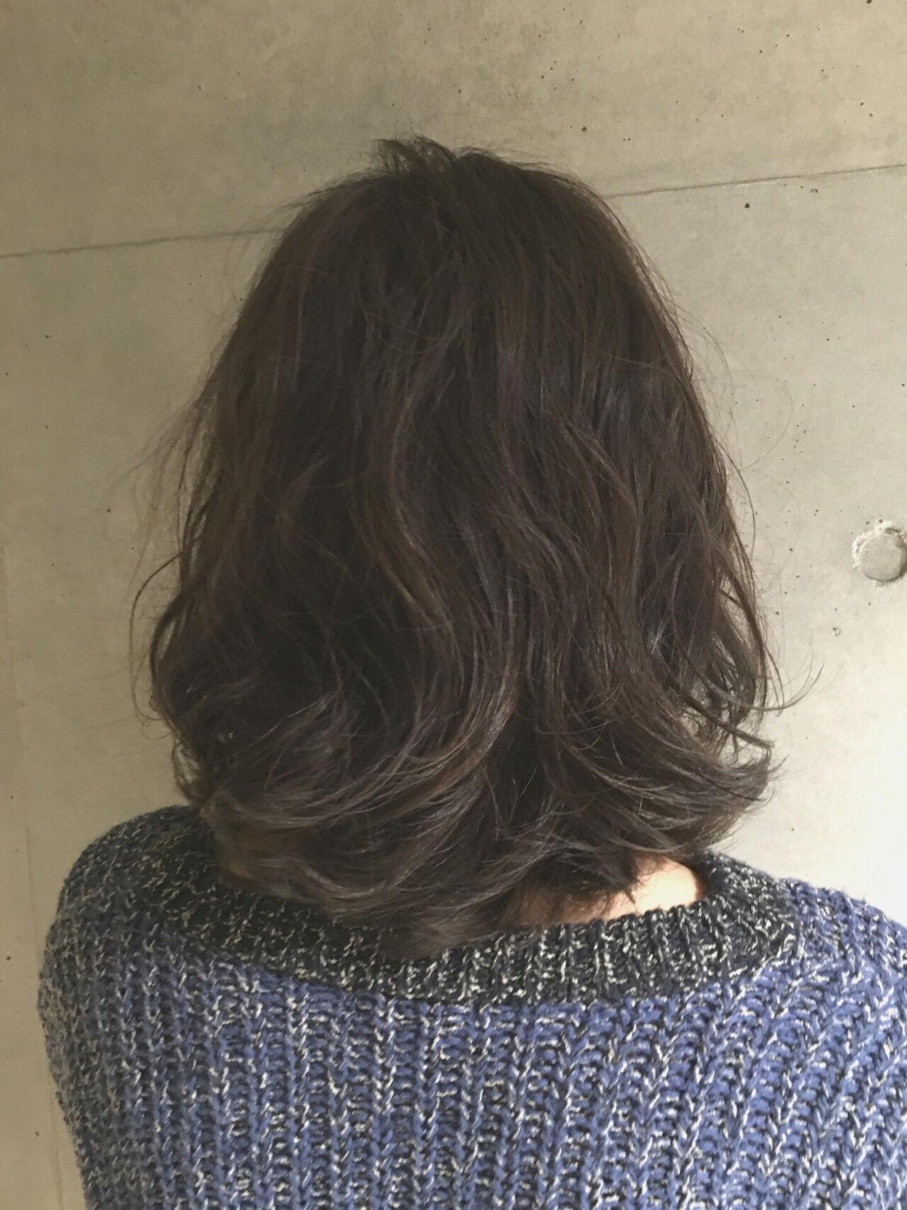 外国人風 アッシュ ブラウン 暗髪ヘアスタイルや髪型の写真・画像