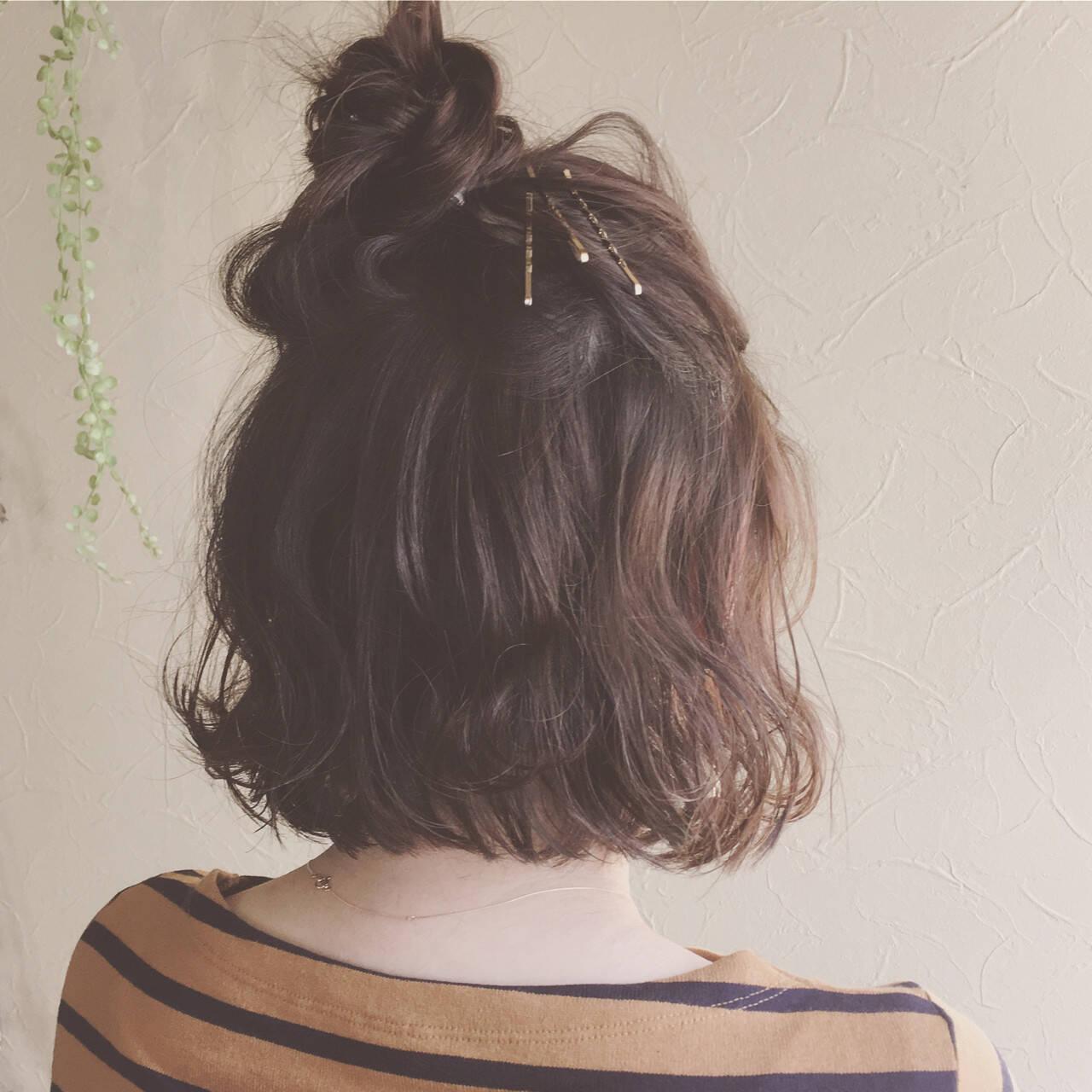 ナチュラル ボブ ヘアアレンジ 波ウェーブヘアスタイルや髪型の写真・画像