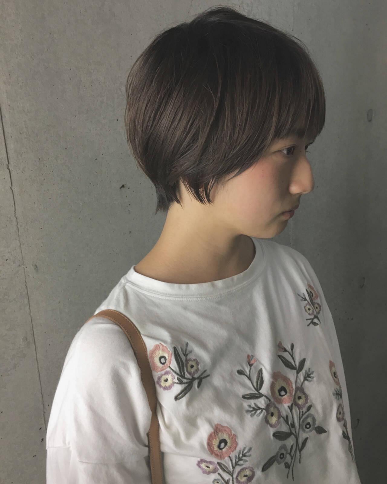 グレージュ 秋 ショート 透明感ヘアスタイルや髪型の写真・画像