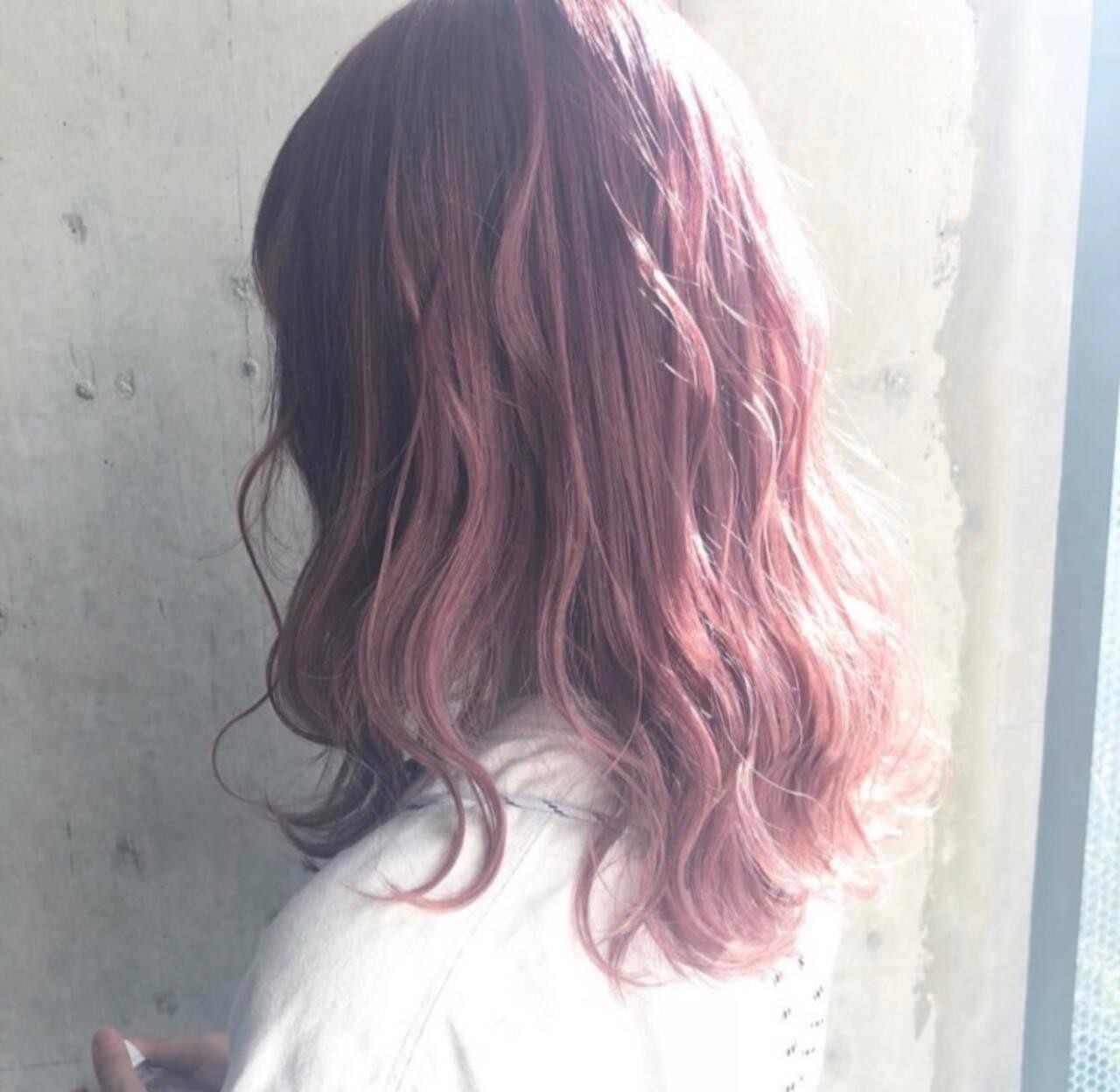 ハイトーン ベリーピンク 外国人風カラー ロングヘアスタイルや髪型の写真・画像