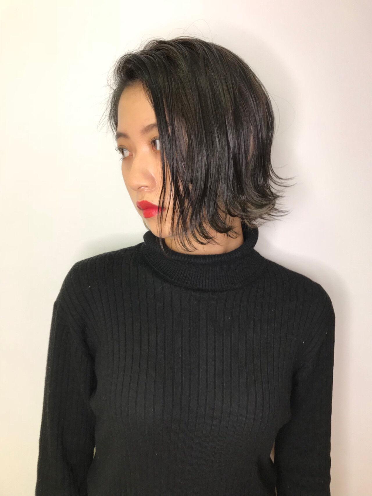 インナーカラー モード 暗髪 アッシュグレージュヘアスタイルや髪型の写真・画像