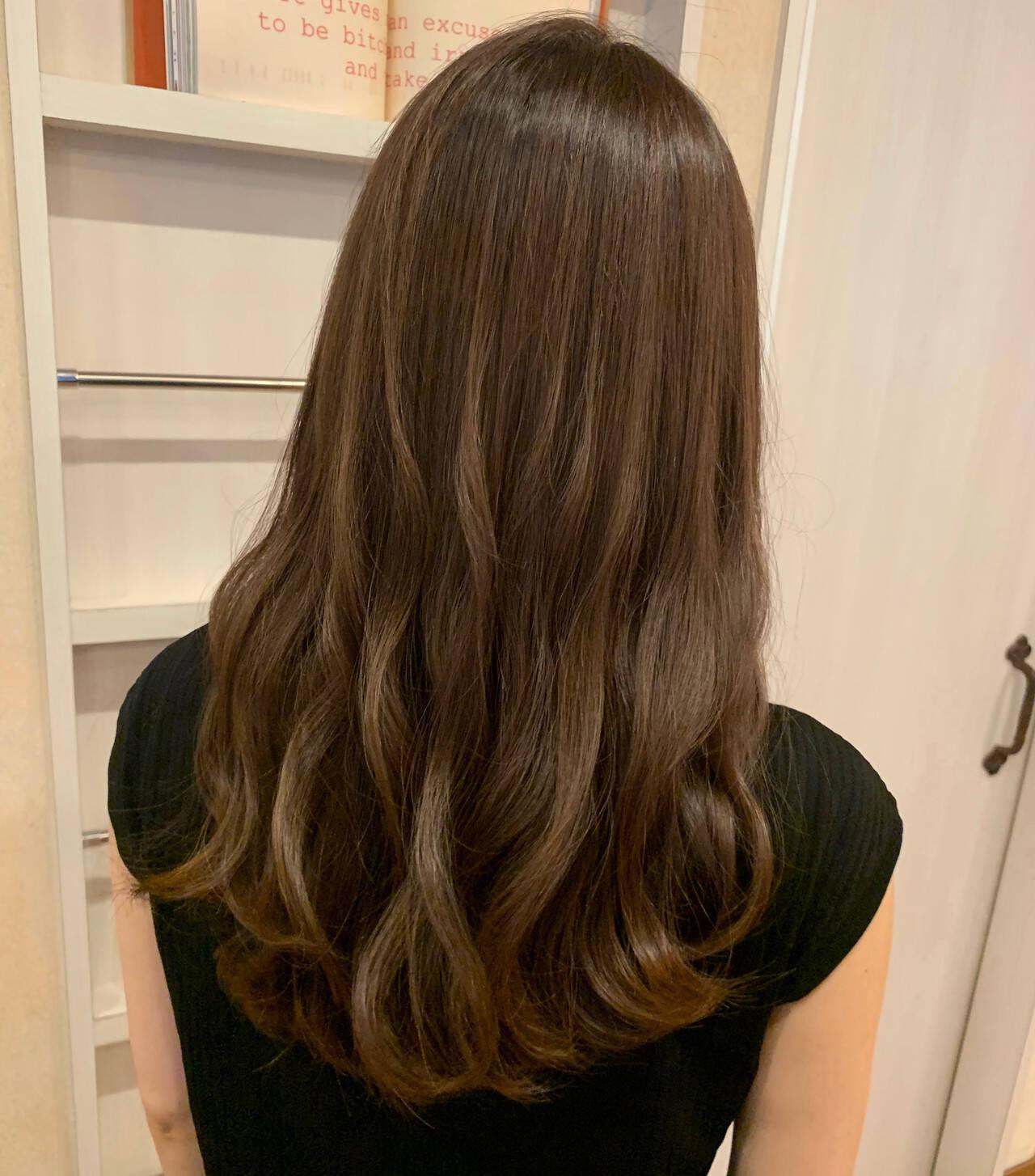 髪質改善トリートメント 大人かわいい ゆるふわパーマ ロングヘアスタイルや髪型の写真・画像