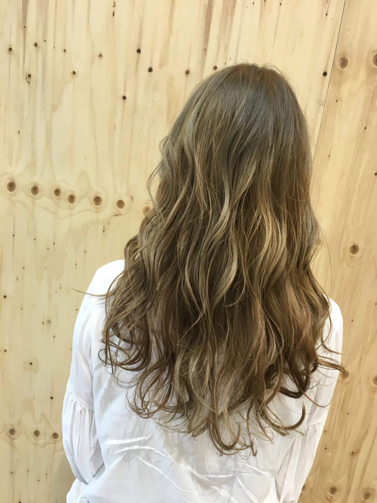 上品 ロング エレガント グラデーションカラーヘアスタイルや髪型の写真・画像