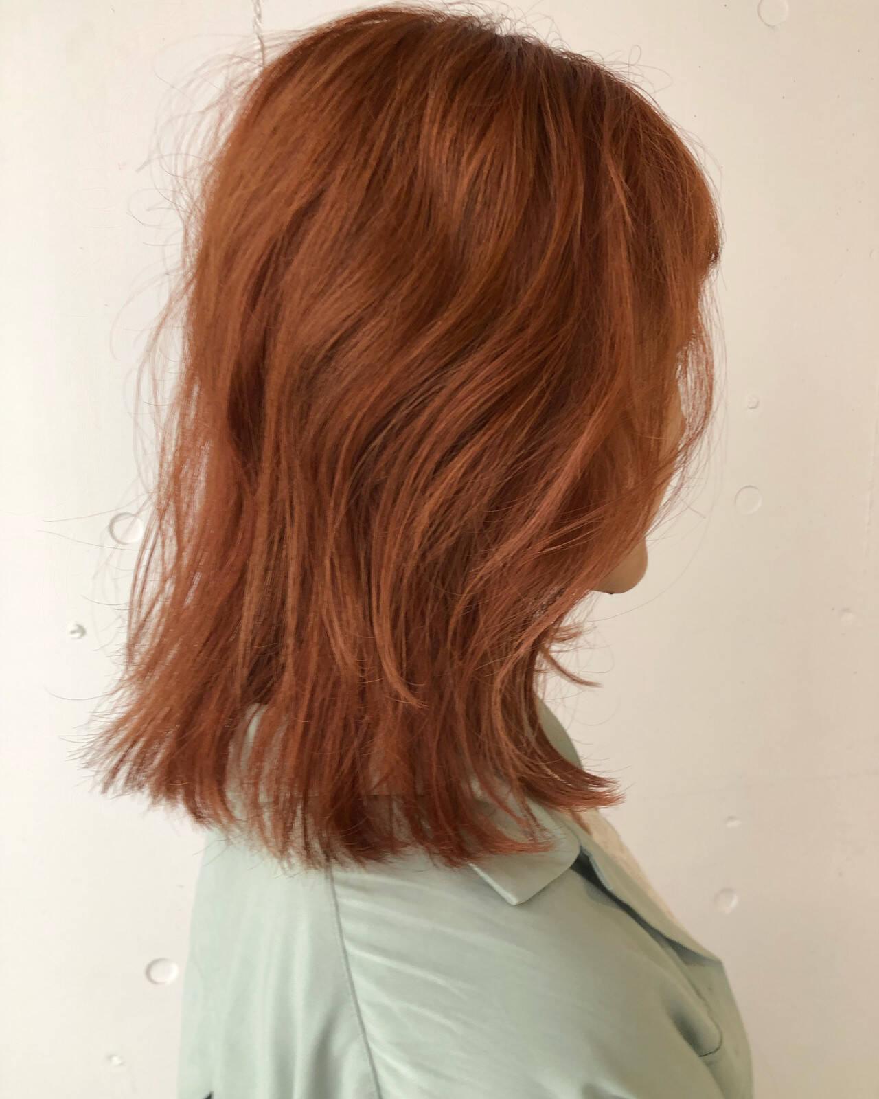 ミディアム ハイトーンカラー ダブルカラー レイヤーカットヘアスタイルや髪型の写真・画像