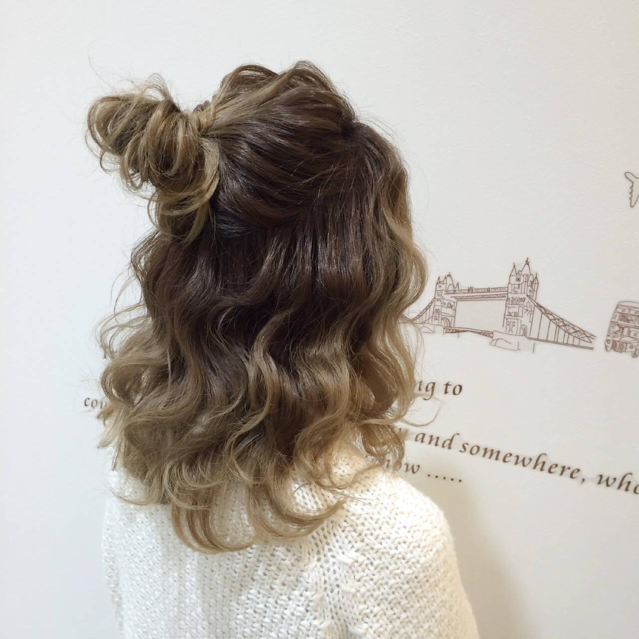波ウェーブ 結婚式 セミロング お団子ヘアスタイルや髪型の写真・画像