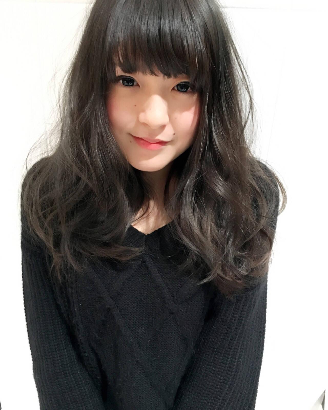 ロング 外国人風カラー アッシュ グレージュヘアスタイルや髪型の写真・画像